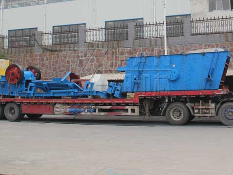 YIFAN Circular Vibrating Screen and Jaw Crusher were Delivered to Shanghai